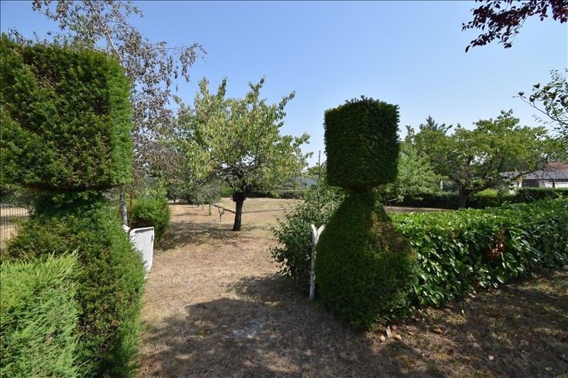 Sale house / villa Riorges 312000€ - Picture 2