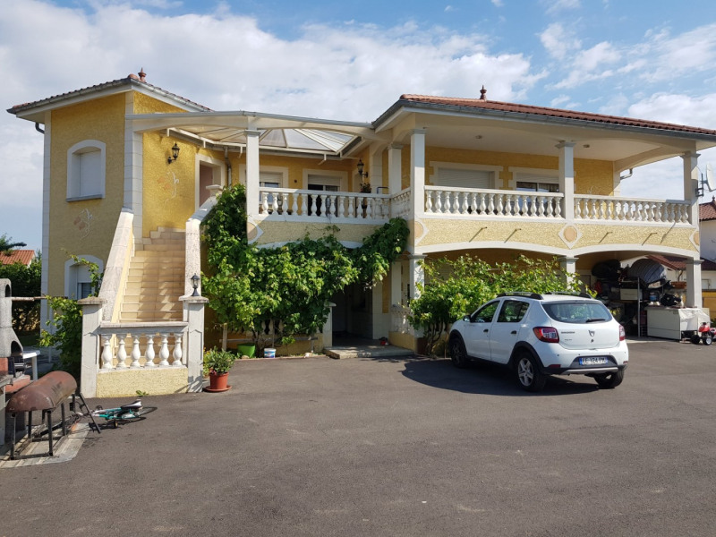 Revenda casa Beaurepaire 440000€ - Fotografia 1