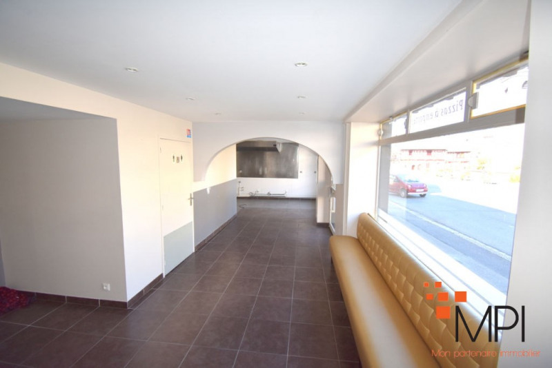 Rental building L hermitage 650€ HC - Picture 2