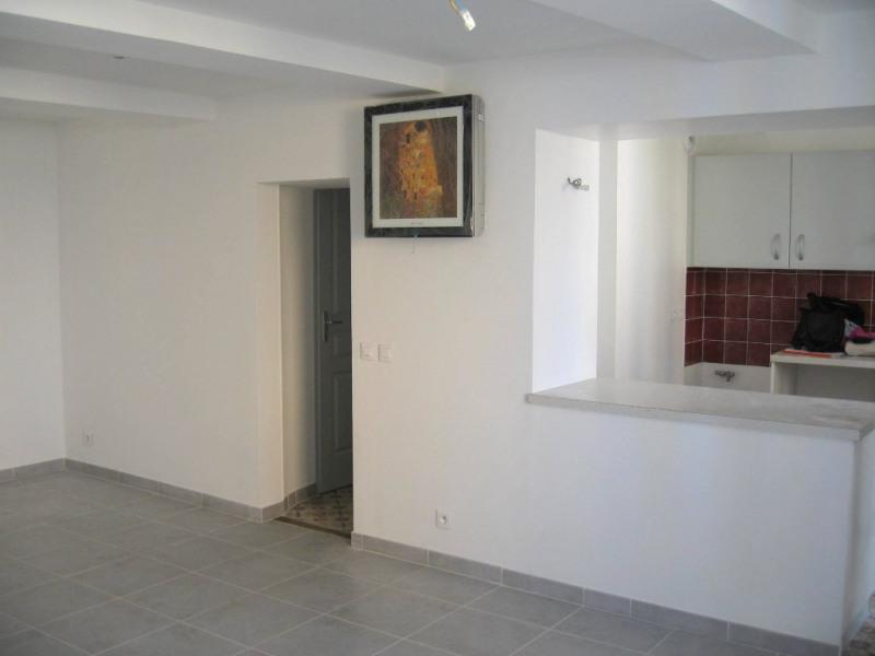 Location appartement La tour d'aigues 800€ CC - Photo 1