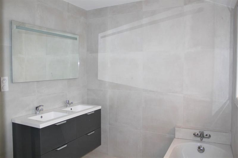 Vente maison / villa Domazan 395000€ - Photo 5