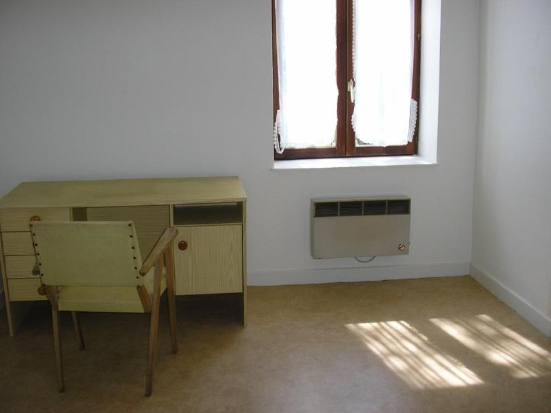 Rental apartment Oyonnax 271€ CC - Picture 2