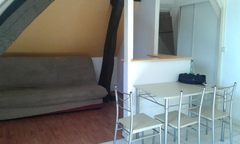 Rental apartment Chateau renault 350€ CC - Picture 2