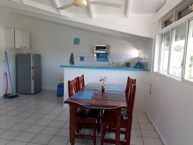 Location appartement Sainte anne 680€ CC - Photo 2