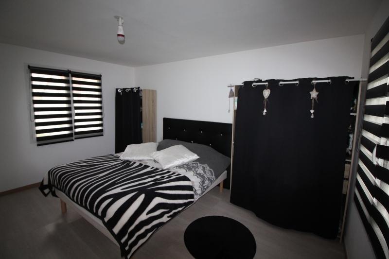 Sale house / villa Mons boubert 254000€ - Picture 5