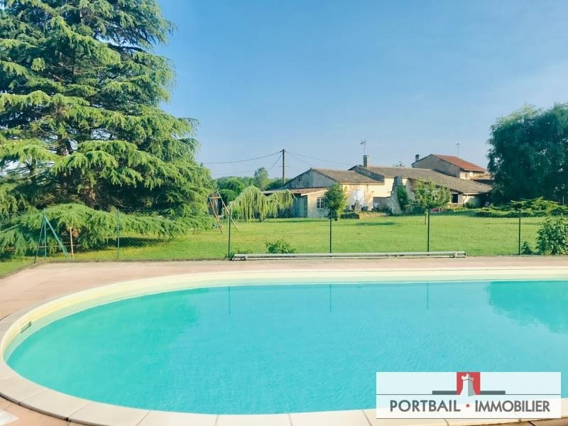 Sale house / villa Plassac 222 500€ - Picture 2