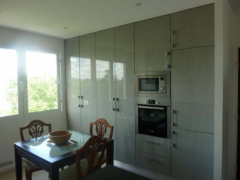 Sale apartment Poissy 295000€ - Picture 2