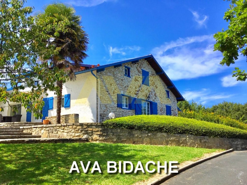 Deluxe sale house / villa Bidache 575000€ - Picture 1
