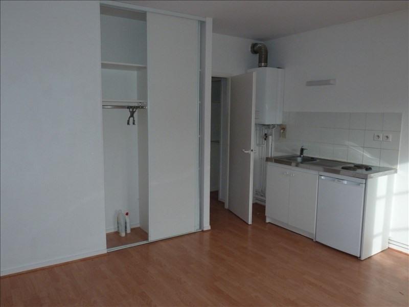 Rental apartment La roche sur yon 391€ CC - Picture 2