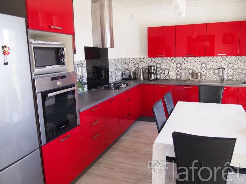 Sale house / villa Bourgoin jallieu 349900€ - Picture 4
