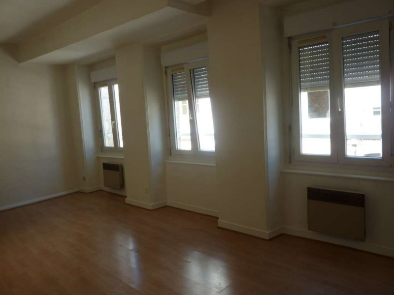Rental apartment Pontivy 307€ CC - Picture 1