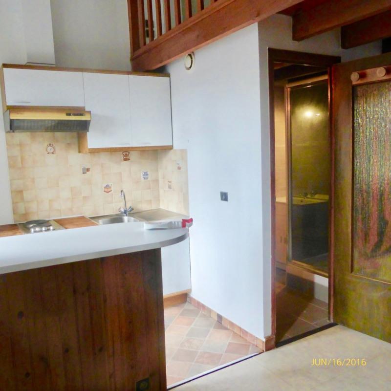 Rental apartment La ville du bois 516€ CC - Picture 2