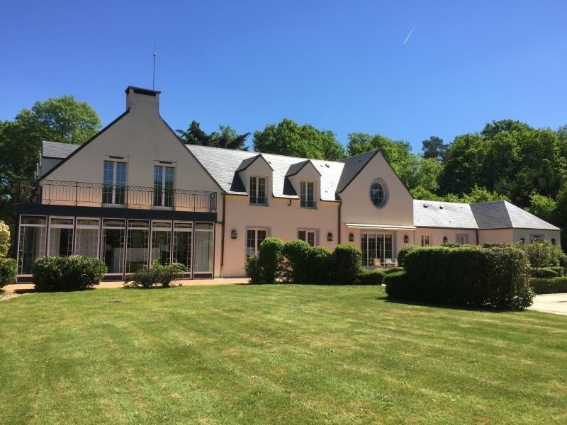Deluxe sale house / villa Montfort l amaury 1590000€ - Picture 1