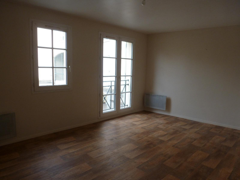 Location appartement Senlis 590€ CC - Photo 1