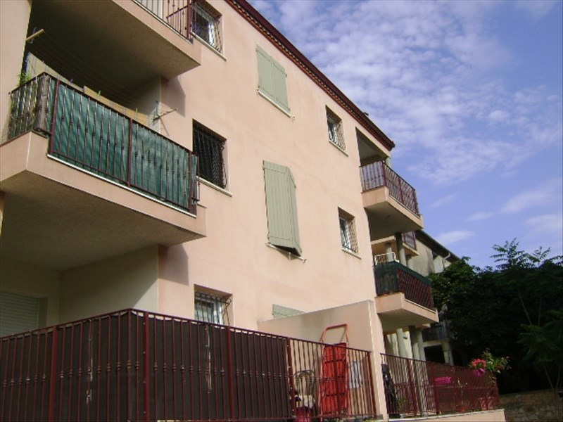 Rental apartment Poussan 756€ CC - Picture 2