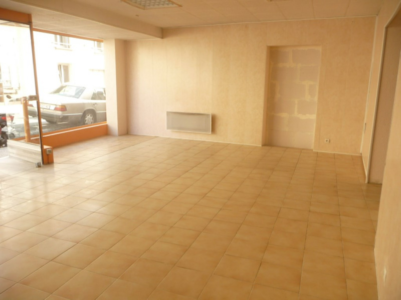 Rental empty room/storage Chateau renault 350€ CC - Picture 2