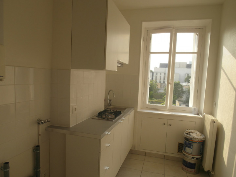 Rental apartment Neuilly-sur-seine 1980€ CC - Picture 5