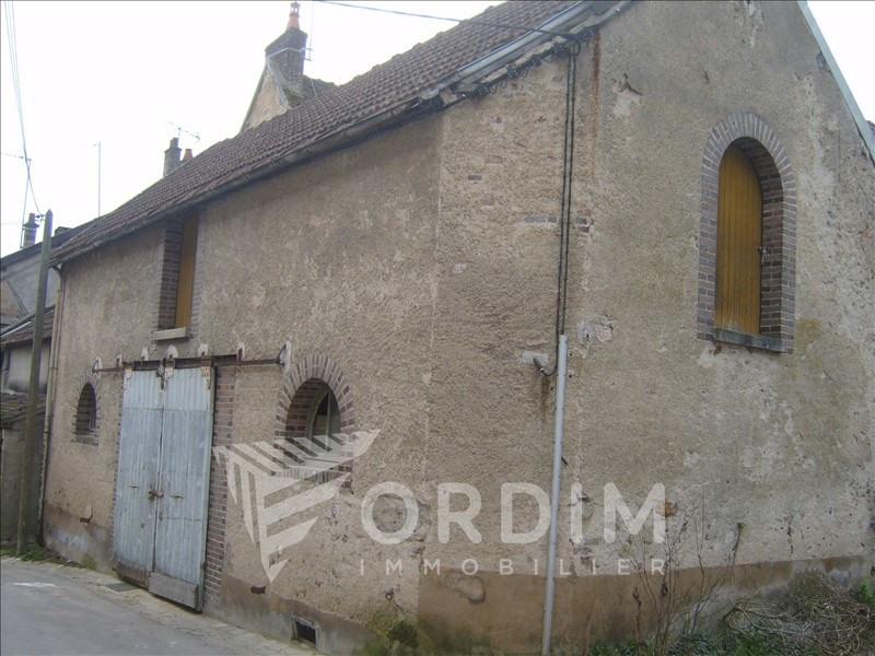 Sale house / villa St julien du sault 35000€ - Picture 1