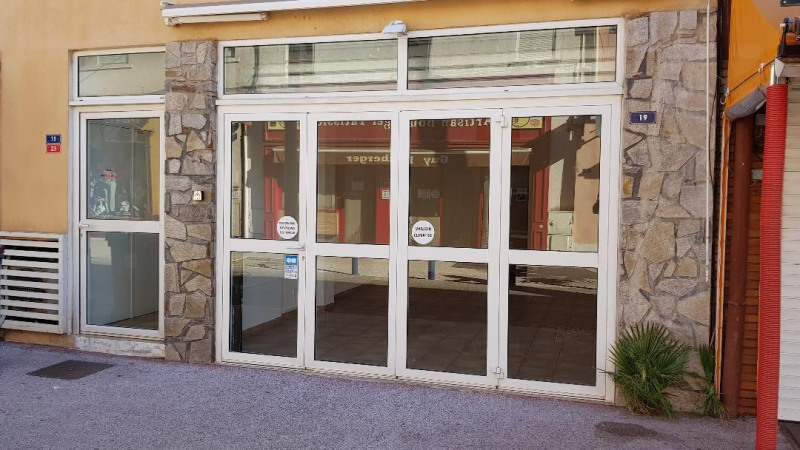 Location boutique Cavalaire 1 400€ HC - Photo 3