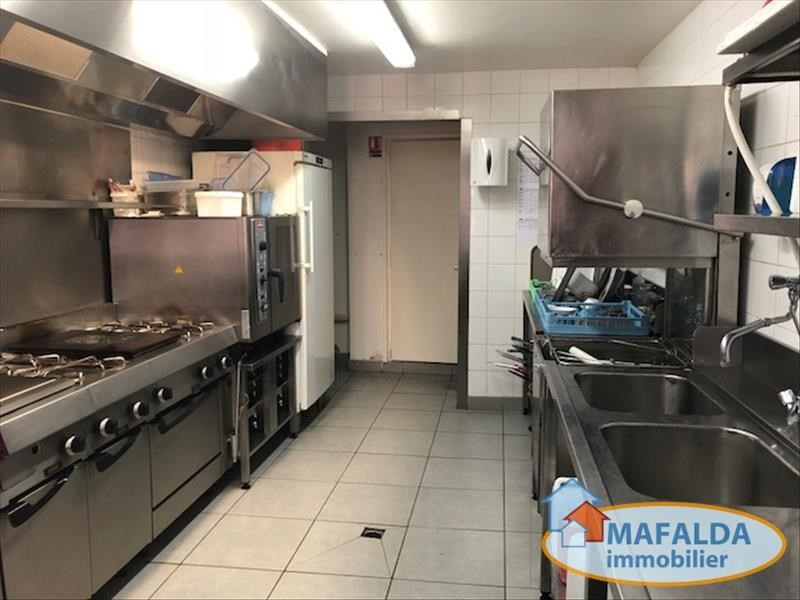 Vente fonds de commerce boutique Cluses 399 500€ - Photo 3