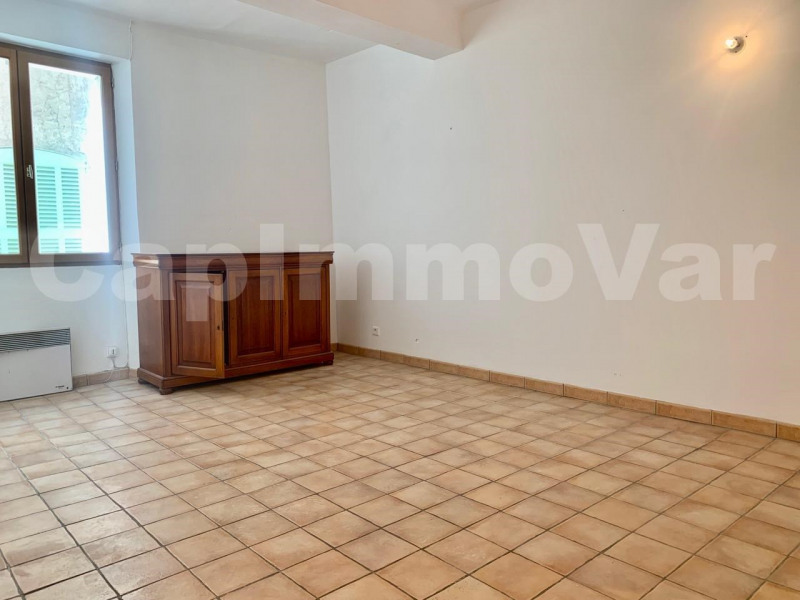 Location appartement Le beausset 650€ CC - Photo 4