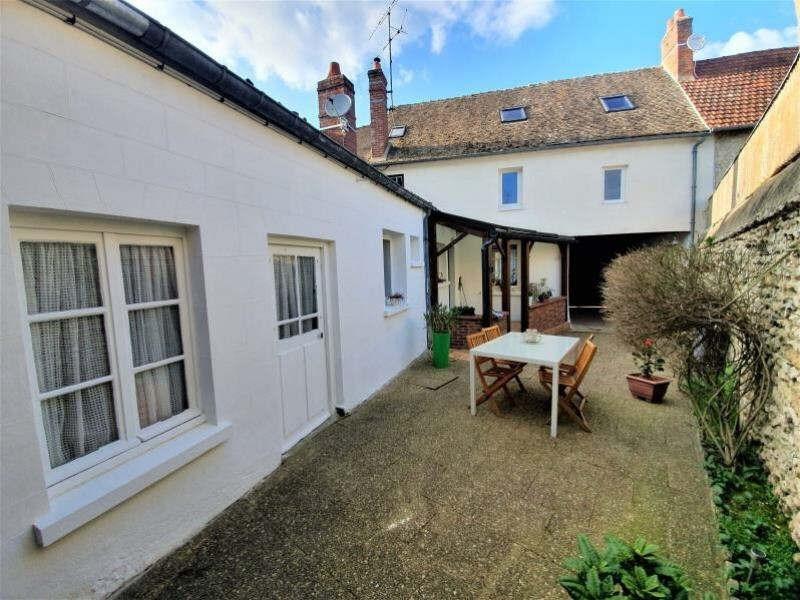 Sale house / villa Chars 221400€ - Picture 1