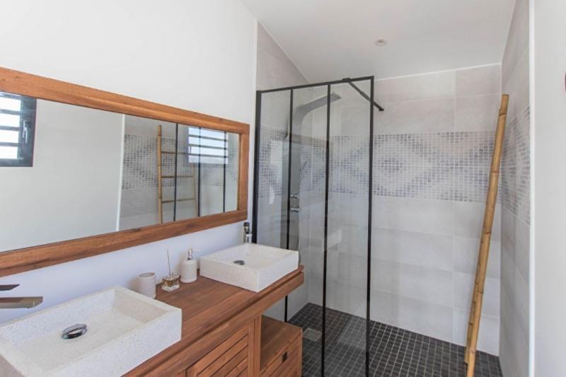 Deluxe sale house / villa Saint gilles les bains 605000€ - Picture 5