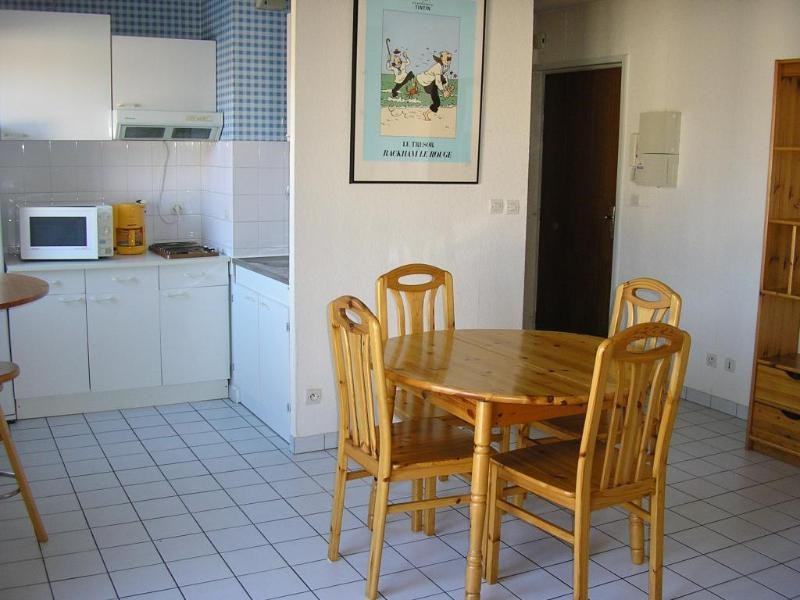 Rental apartment Oyonnax 396€ CC - Picture 2