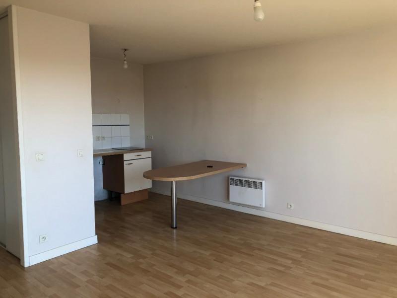 Rental apartment Aytre 590€ CC - Picture 1