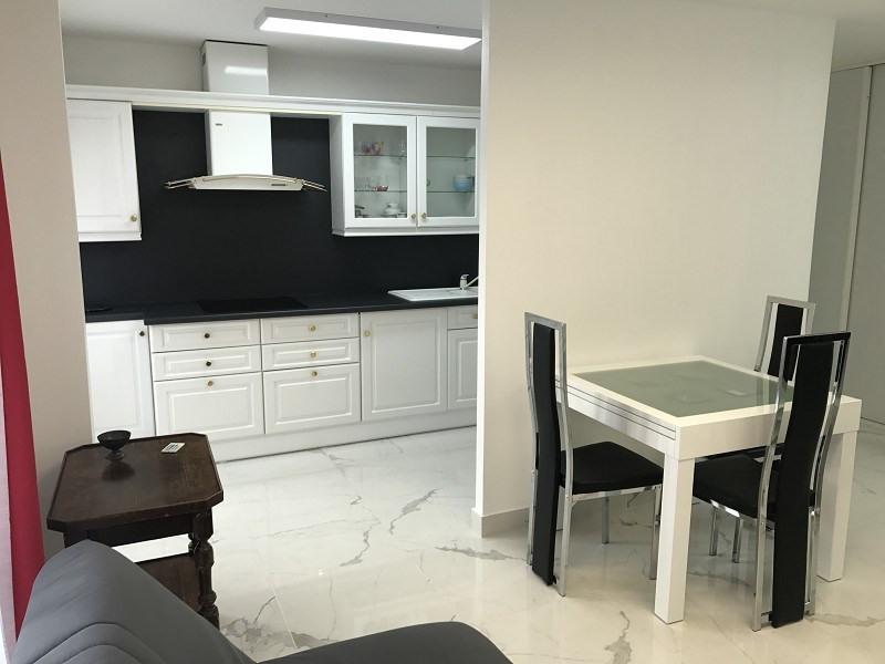 Location appartement Paris 20ème 1290€ CC - Photo 7
