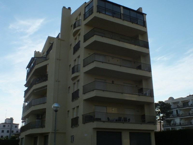 Location vacances appartement Roses santa-margarita 384€ - Photo 2