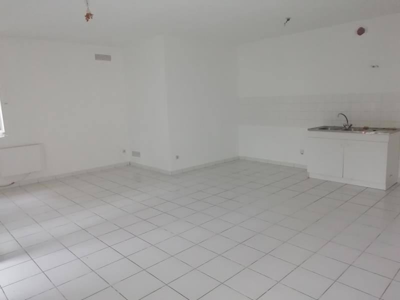 Rental apartment Vion 460€ CC - Picture 2