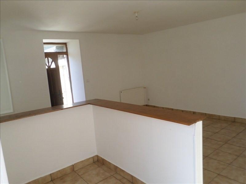 Location appartement Lussac les chateaux 330€ CC - Photo 2