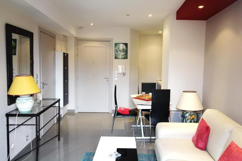 Sale apartment Nice 240000€ - Picture 2