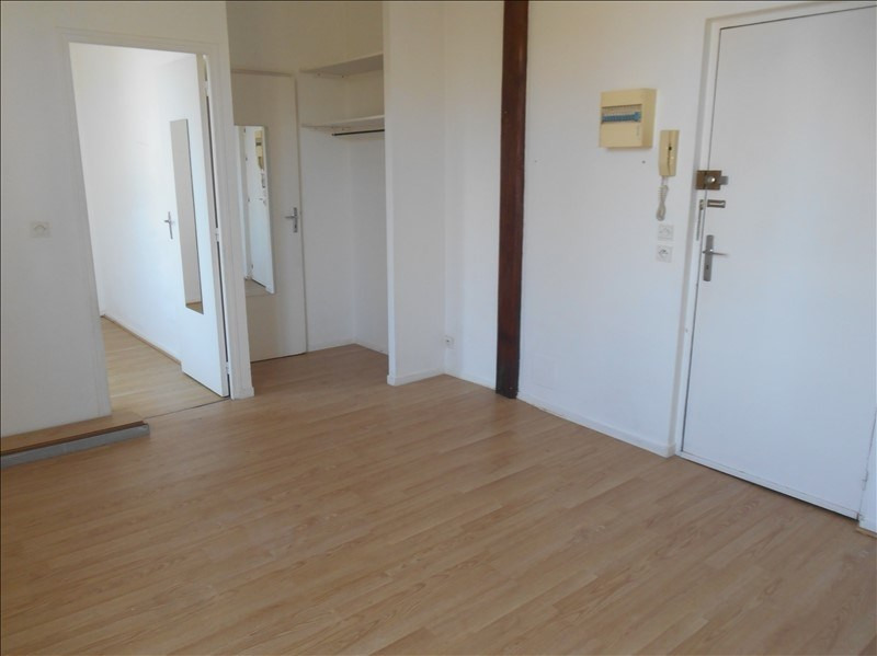 Location appartement Troyes 305€ CC - Photo 1
