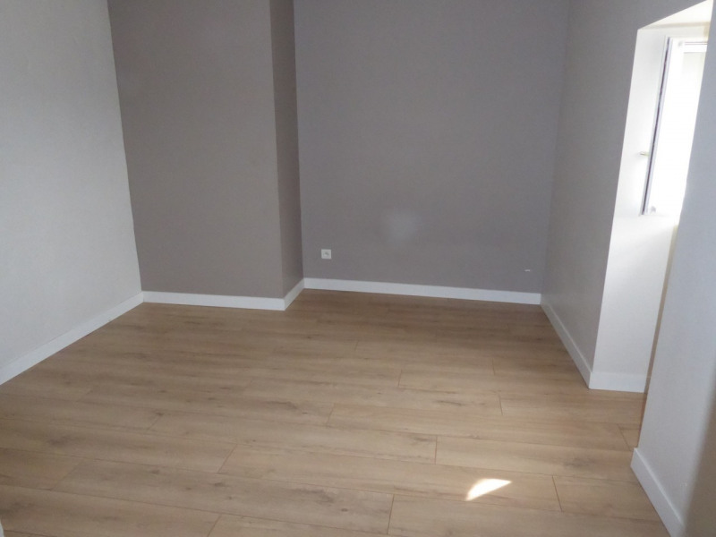 Location appartement Aubenas 394€ CC - Photo 7