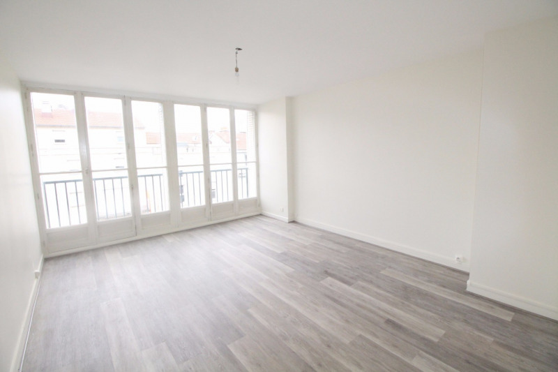 Location appartement Fontaine 660€ CC - Photo 1