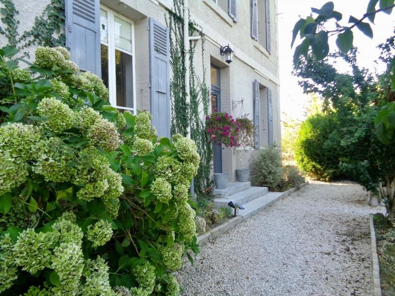 Sale house / villa Villefavard 240 000€ - Picture 1