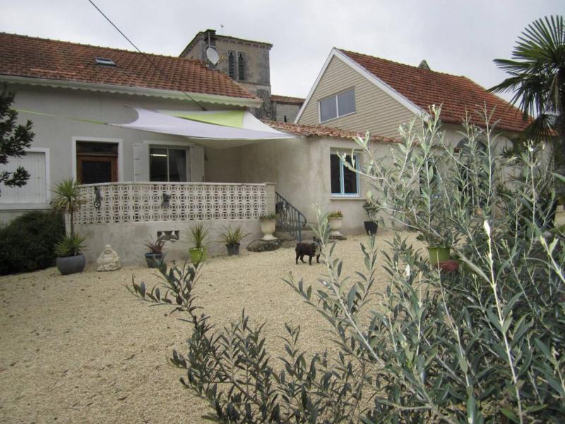 Vente maison / villa Barbezieux-saint-hilaire 150800€ - Photo 1