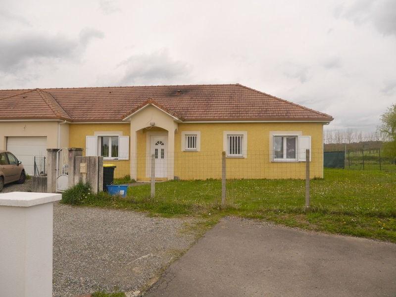 Rental house / villa Urdes 690€ CC - Picture 1