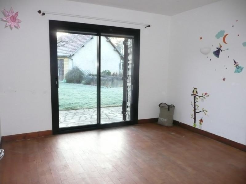 Sale house / villa Bréval 282000€ - Picture 3