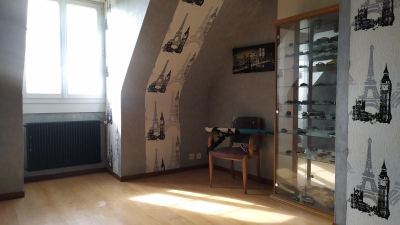 Sale house / villa La ville aux dames 322000€ - Picture 5