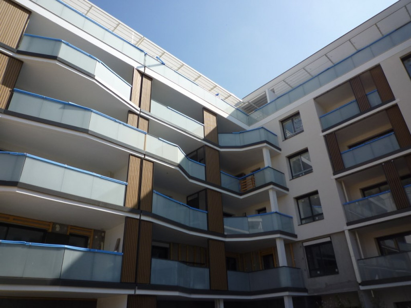 Sale apartment Annecy 329 000€ - Picture 2