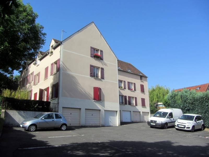 Sale apartment Osny 154900€ - Picture 1