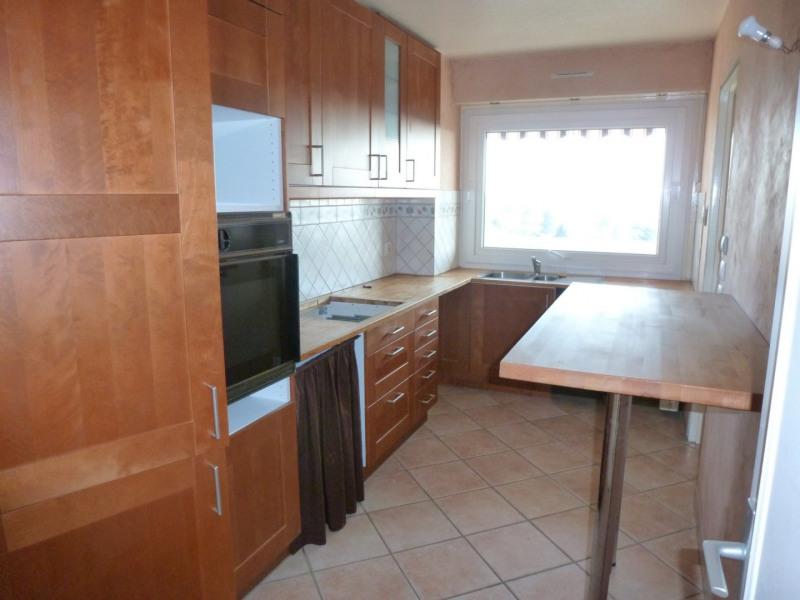 Rental apartment Elancourt 1076€ CC - Picture 2