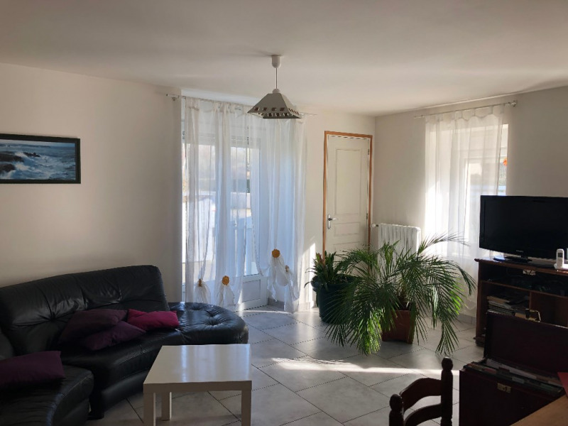 Sale house / villa Renaze 76 000€ - Picture 1
