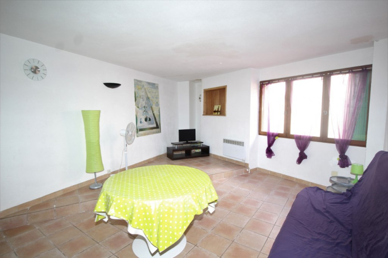 Appartement de type 4 rez-de-chaussée, 95 m², proche des quais