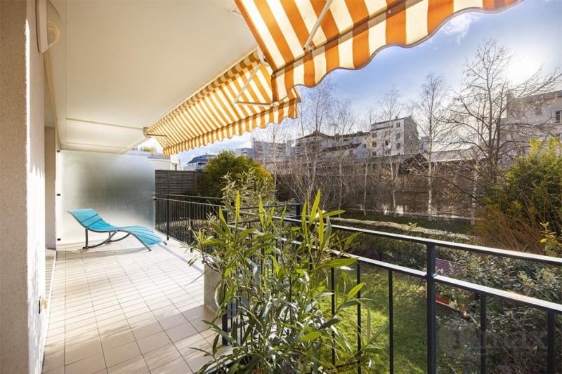 Appartement Courbevoie 3 pièce(s) 77 m2