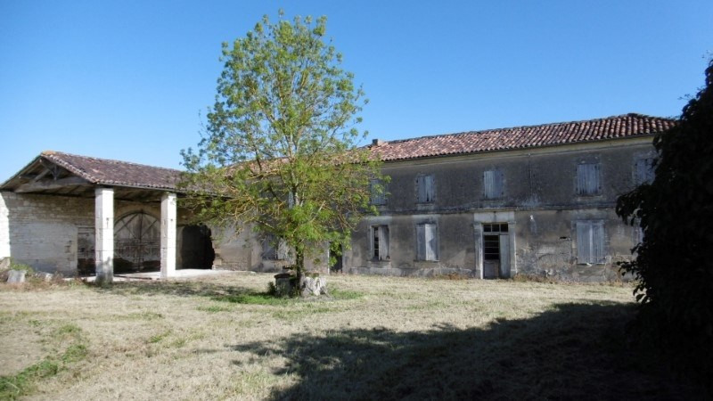 Sale house / villa Cherves richemont 117700€ - Picture 1
