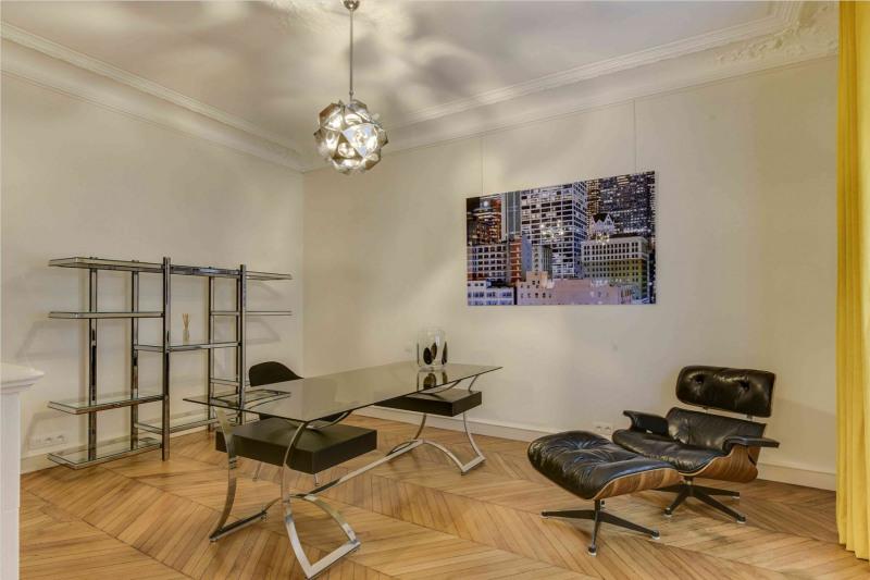 Rental apartment Paris 9ème 6500€ CC - Picture 6